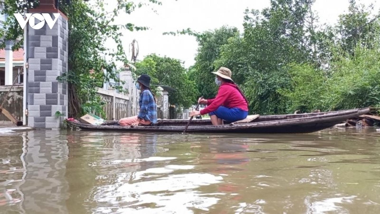 Nước vẫn lai láng ở vùng rốn lũ Thừa Thiên Huế