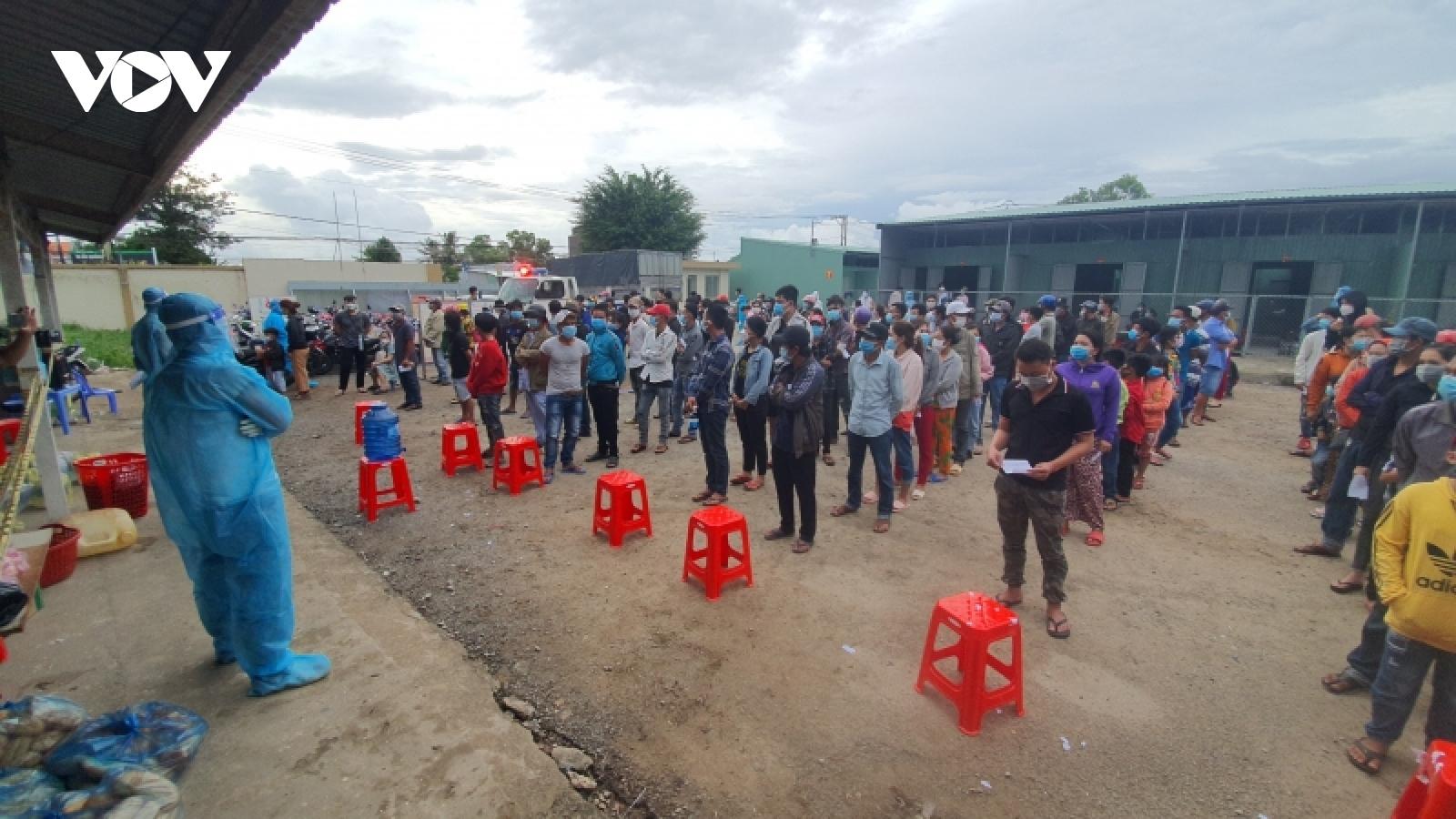 KiênGiangtiếp nhận hơn 300 công dân từ Bà Rịa – Vũng Tàu về quê