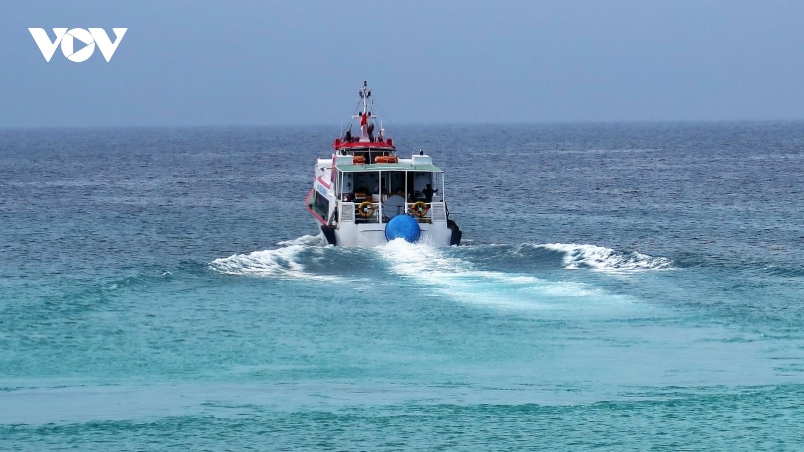 Quảng Ngãicho phép vận tải hành khách từ đất liền ra đảo Lý Sơn