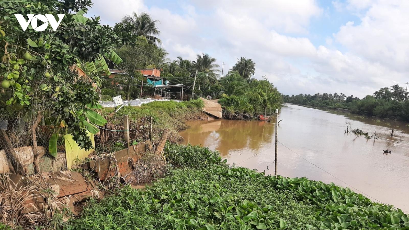Nỗi lo sạt lở ven sông, rạch vào mùa mưa bão tại tỉnh Tiền Giang