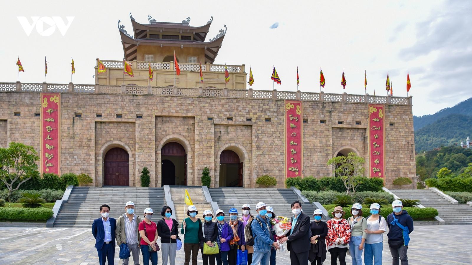 Tour khép kín Hà Nội – Bắc Giang phục vụ đoàn khách đầu tiên