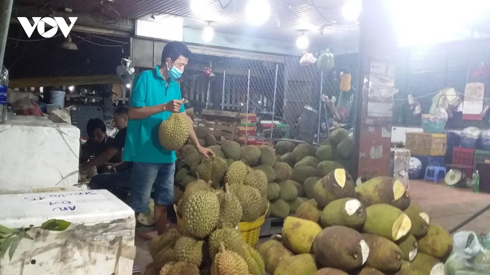 Chợ đầu mối nông sản thực phẩm Hóc Môn, TP.HCM hoạt động trở lại