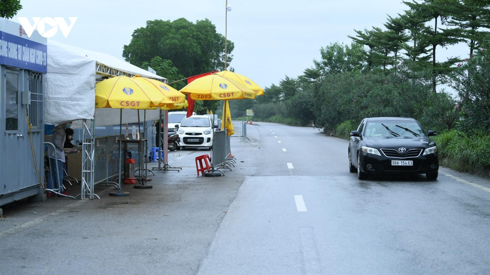 Hàng loạt chốt kiểm soát cửa ngõ Thủ đô dừng hoạt động