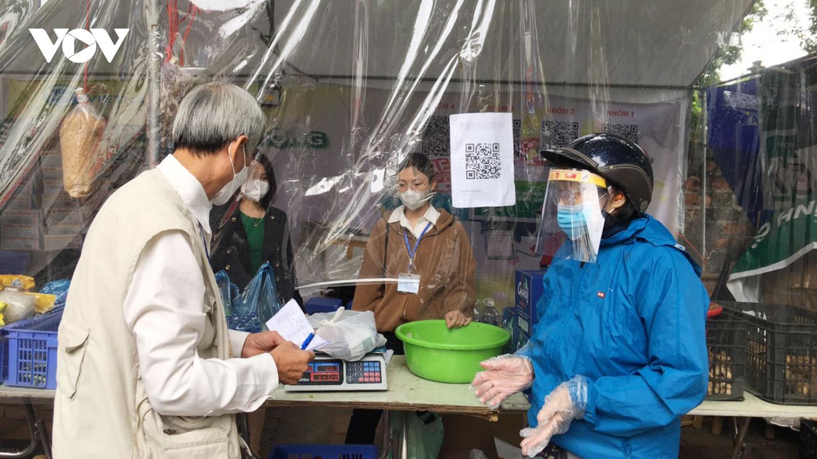 Đổi rác lấy thực phẩm ở Hà Nội