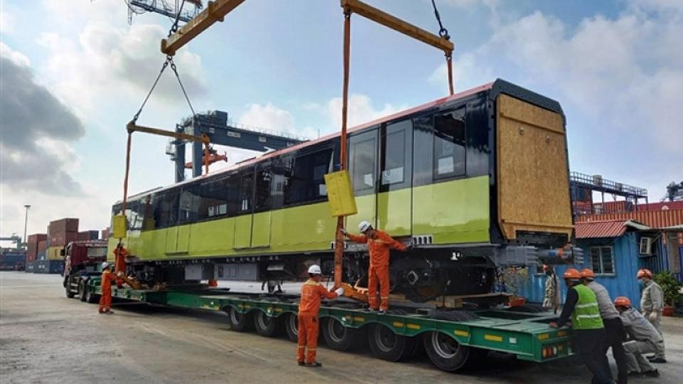 Third train of Hanoi metro line arrives in Vietnam