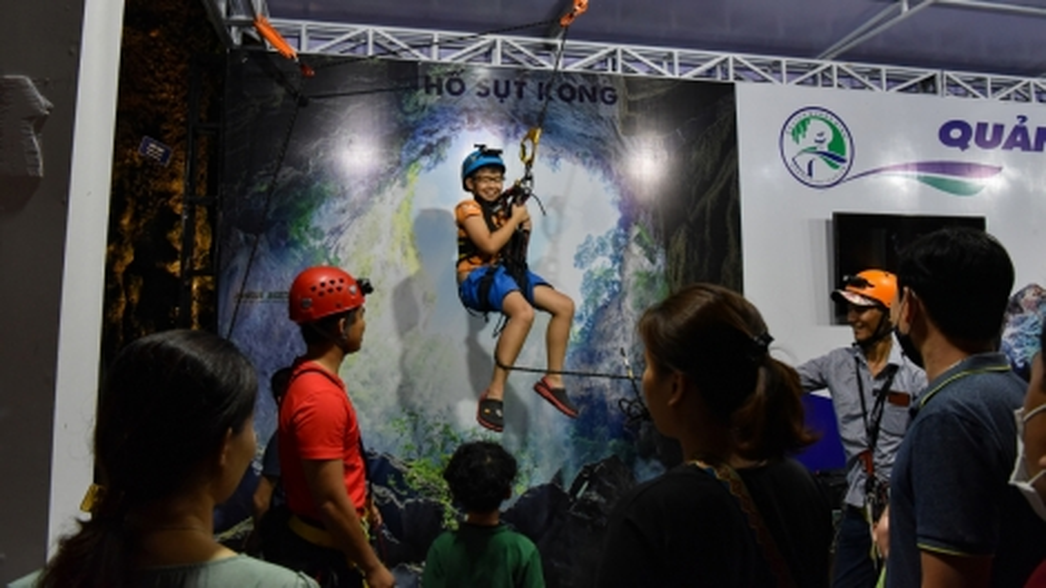 Crowds flock to Hanoi culinary and tourism festival 2021