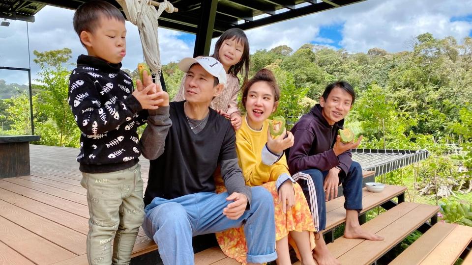 Cuộc sống mùa dịch của gia đình Lý Hải - Minh Hà trong trang trại ở Đà Lạt