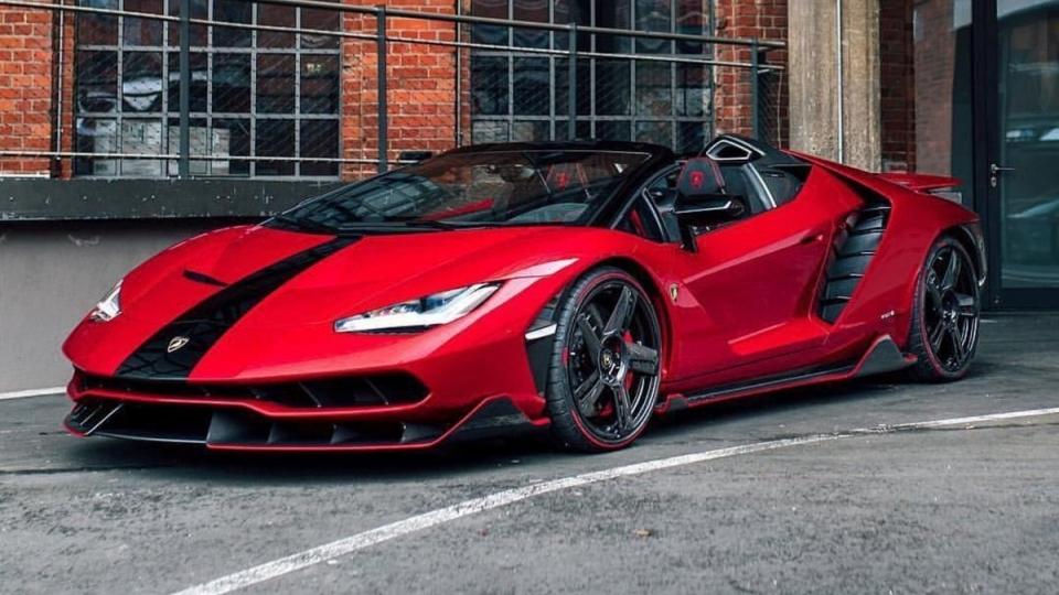 Lamborghini Centenario Roadster được rao bán hơn 100 tỷ đồng