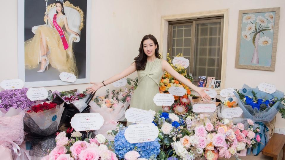 Đỗ Mỹ Linh được dàn Hoa Á hậu đình đám tổ chức sinh nhật bất ngờ từ xa