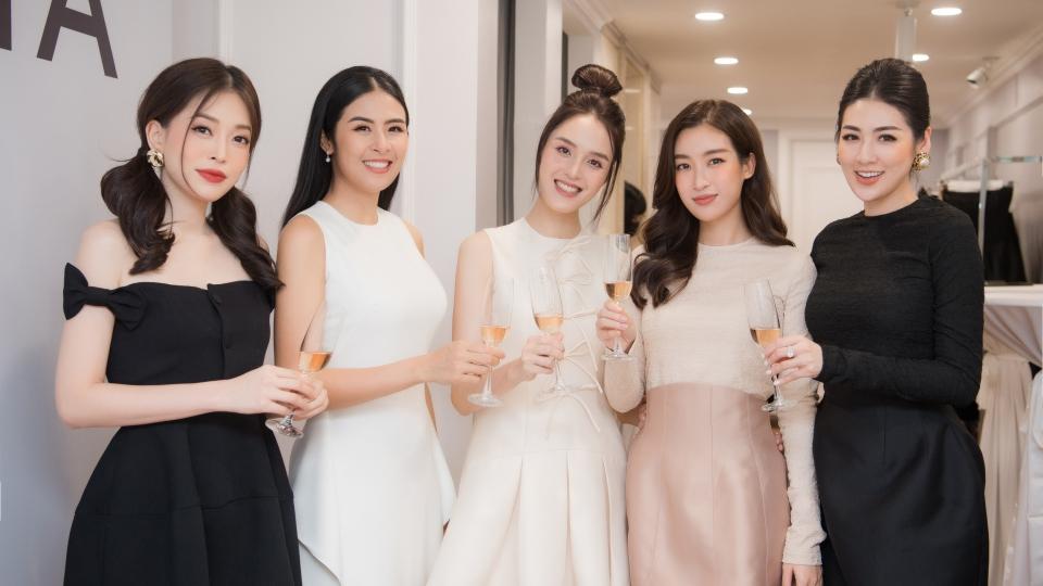 'Hội chị em' Hoa hậu mừng Á hậu Hoàng Anh làm bà chủ