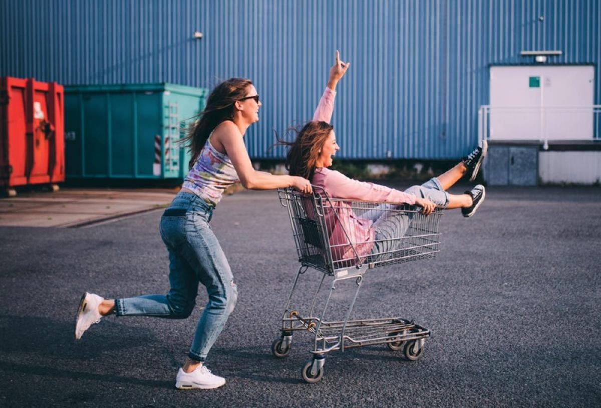 1583511654563adventure_summer_fun_freedom_shopping_cart_friends_together_race_hipster_naughty_millennials_t20_moe3z3_tldt.jpg