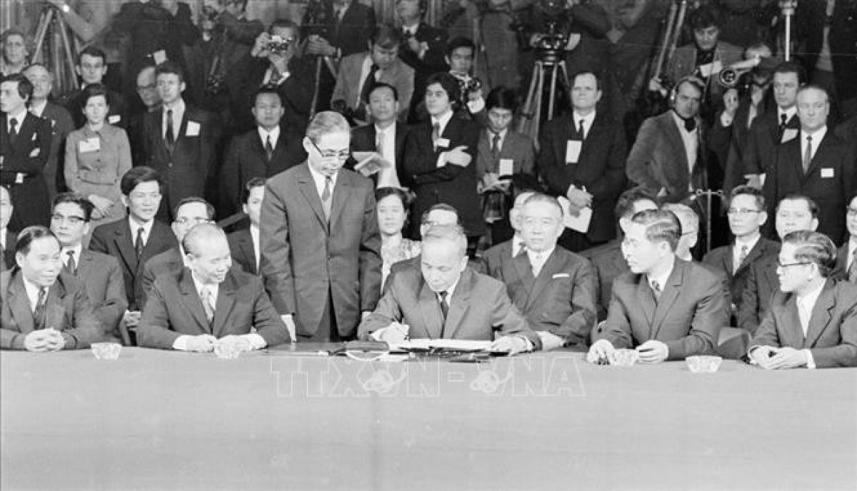 Lễ ký kết Hiệp định Paris về chấm dứt chiến tranh và lập lại hòa bình ở Việt Nam. Ảnh: TTXVN