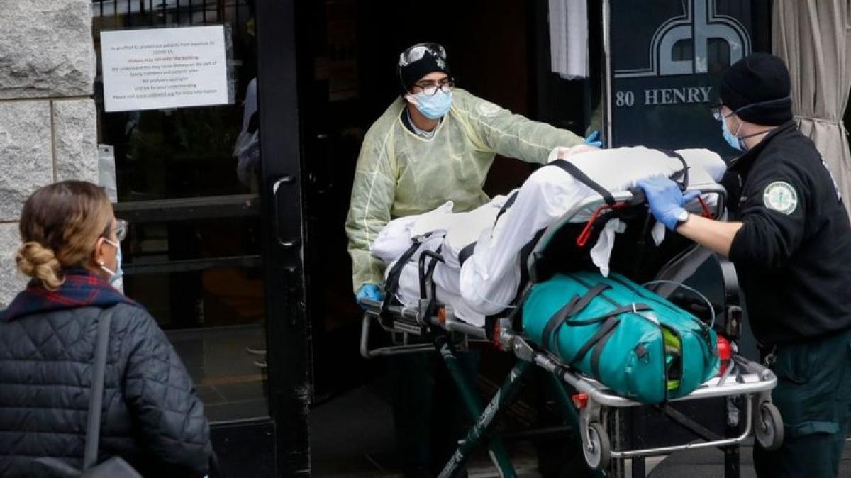 Mỹ đã ghi nhận hơn 51.000 người chết do Covid-19, tương đương 1/4 số ca tử vong trên toàn thế giới. Ảnh: AP.