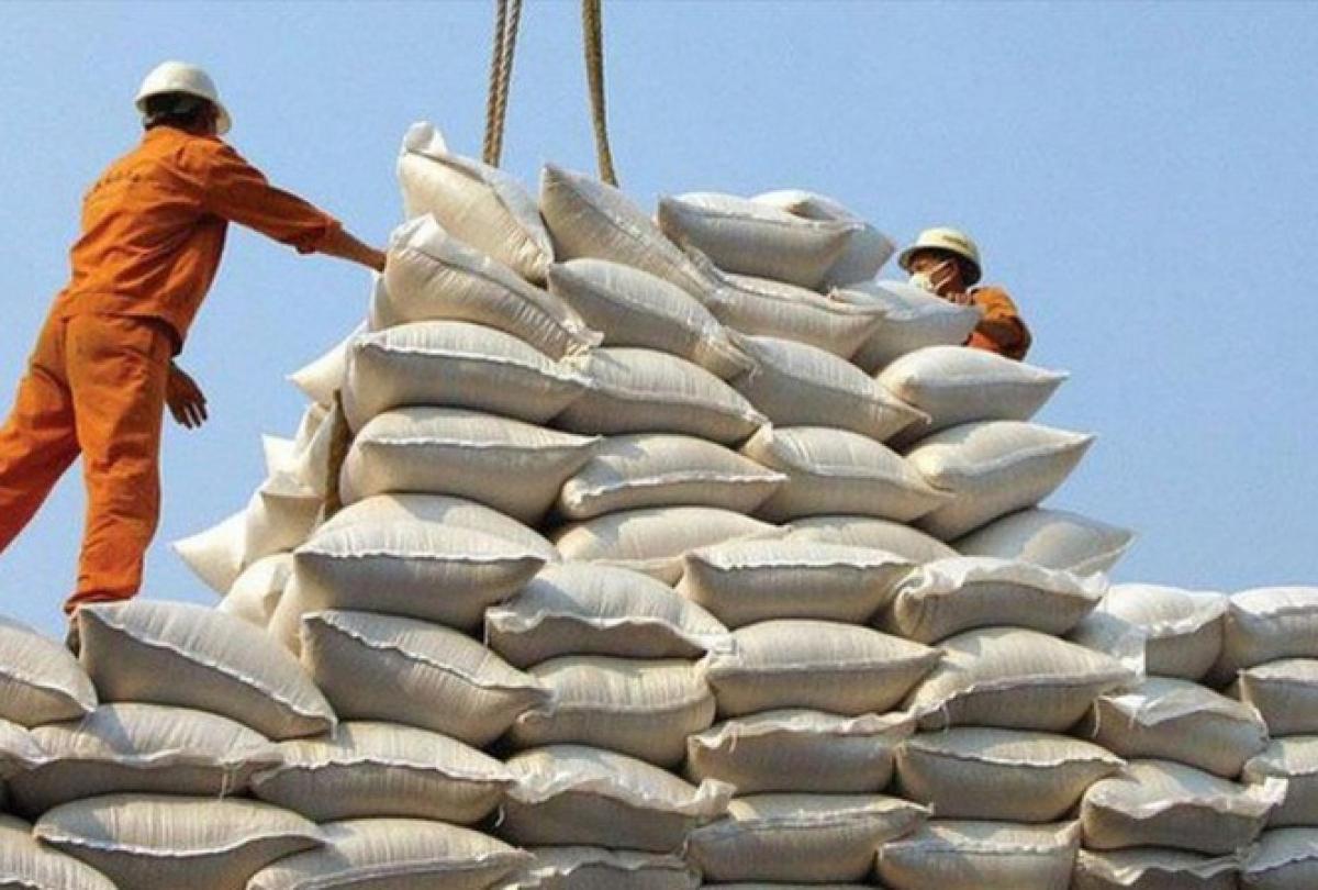 Doanh nghiệp nhầm gạo nếp với gạo tẻ, Hải quan thừa hạn ngạch tháng 4 hơn 38.000 tấn gạo. (Ảnh minh họa: KT)