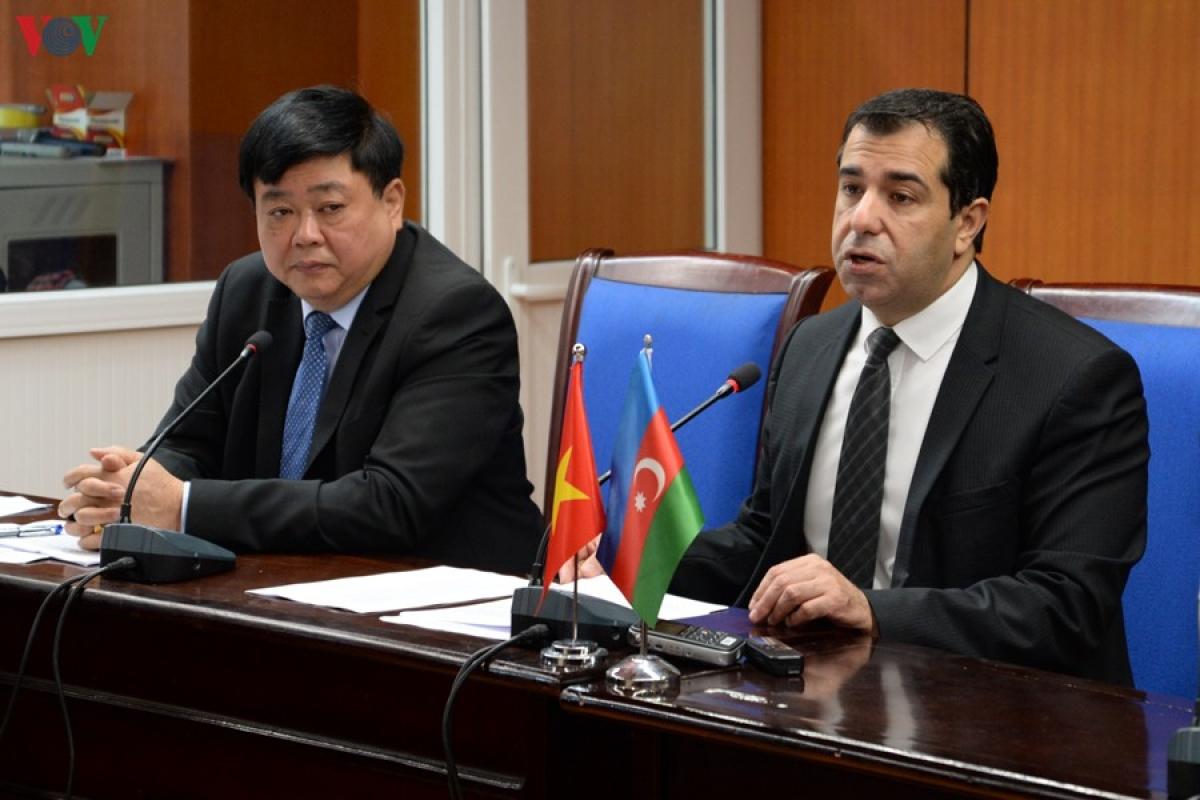3_azerbaijan_nasimi_vov_2__ofal.jpg