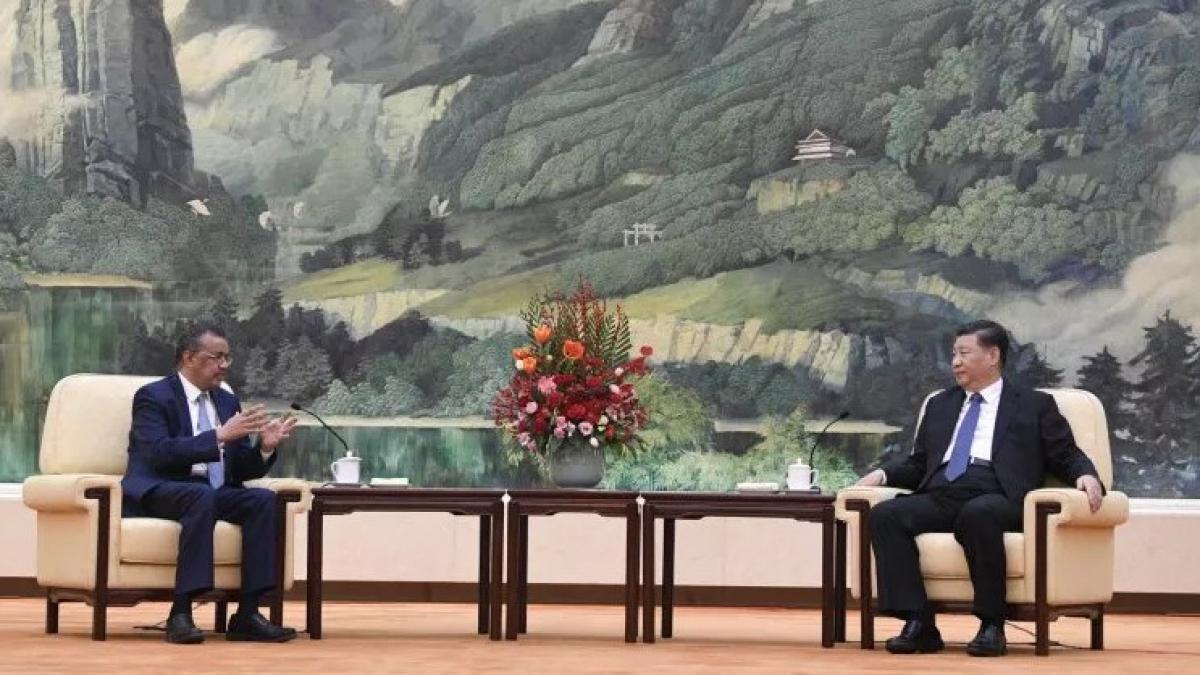 Tổng Giám đốc WHO Tedros Adhanom Ghebreyesus và Chủ tịch Trung Quốc Tập Cận Bình gặp nhau tại Bắc Kinh ngày 28/1. Ảnh: Getty