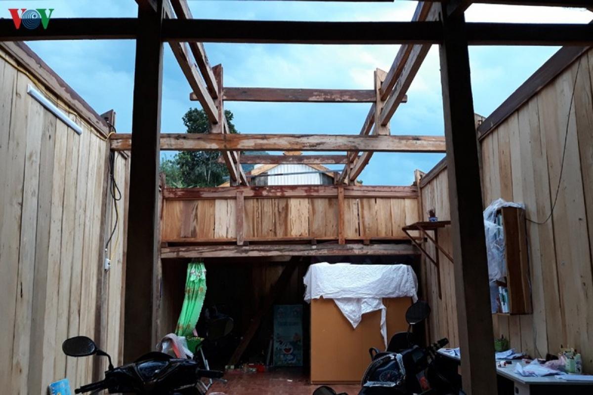 Gió lốc bước đầu chưa ghi nhận thiệt hại về người, nhưng đã gây thiệt hại lớn về tài sản của nhân dân.