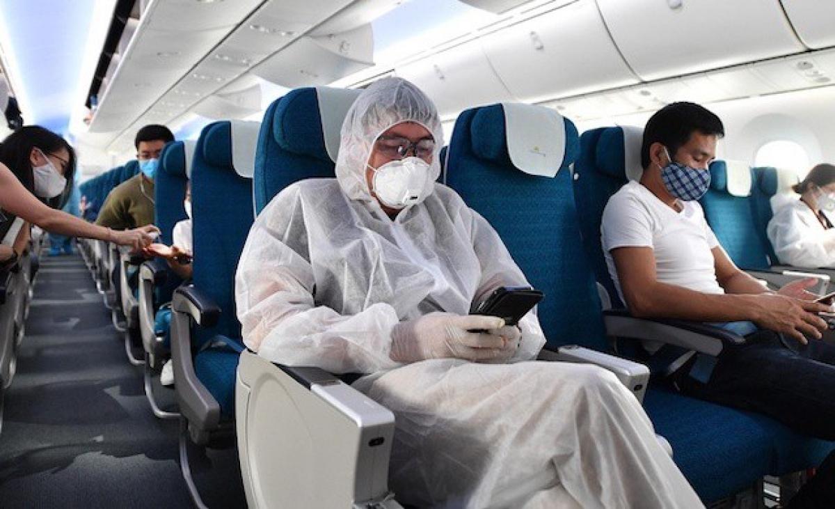 Từ 0 giờ ngày mai (7/5) dỡ bỏ toàn bộ quy định về giãn cách hành khách trên các phương tiện vận tải hành khách gồm: máy bay, tảu hỏa, xe khách...