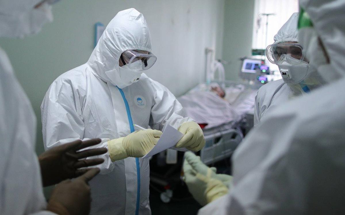 Covid-19, Nga, nhiễm virus, vượt 200.000, tăng quyền hạn, bắt đeo khẩu trang, SARS-CoV-2