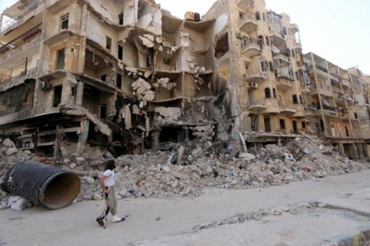 Một khu vực bị phá hủy trong cuộc nội chiến ở thành phố Aleppo, Syria. Ảnh: Reuters.