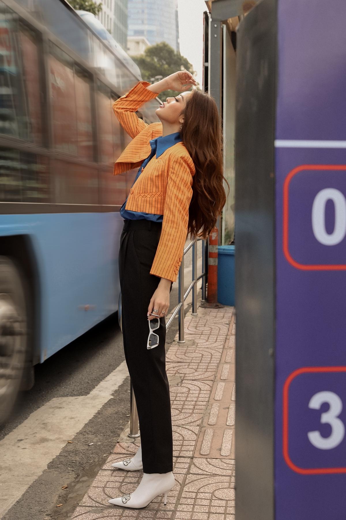 hoa_hau_khanh_van_street_style1.jpeg