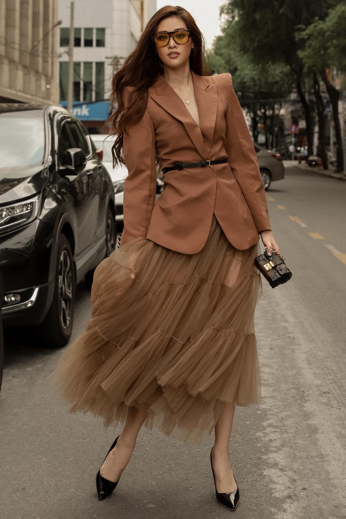 hoa_hau_khanh_van_street_style20_1.jpg