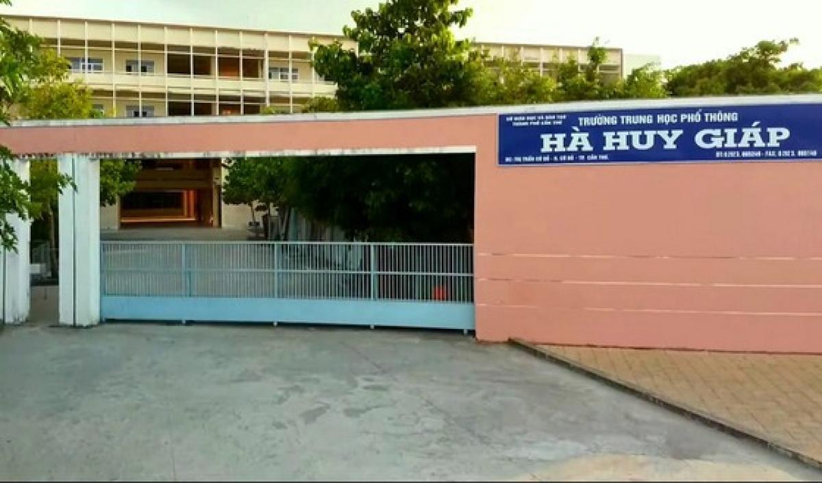 Trường THPT Hà Huy Giáp - nơi xảy ra vụ việc