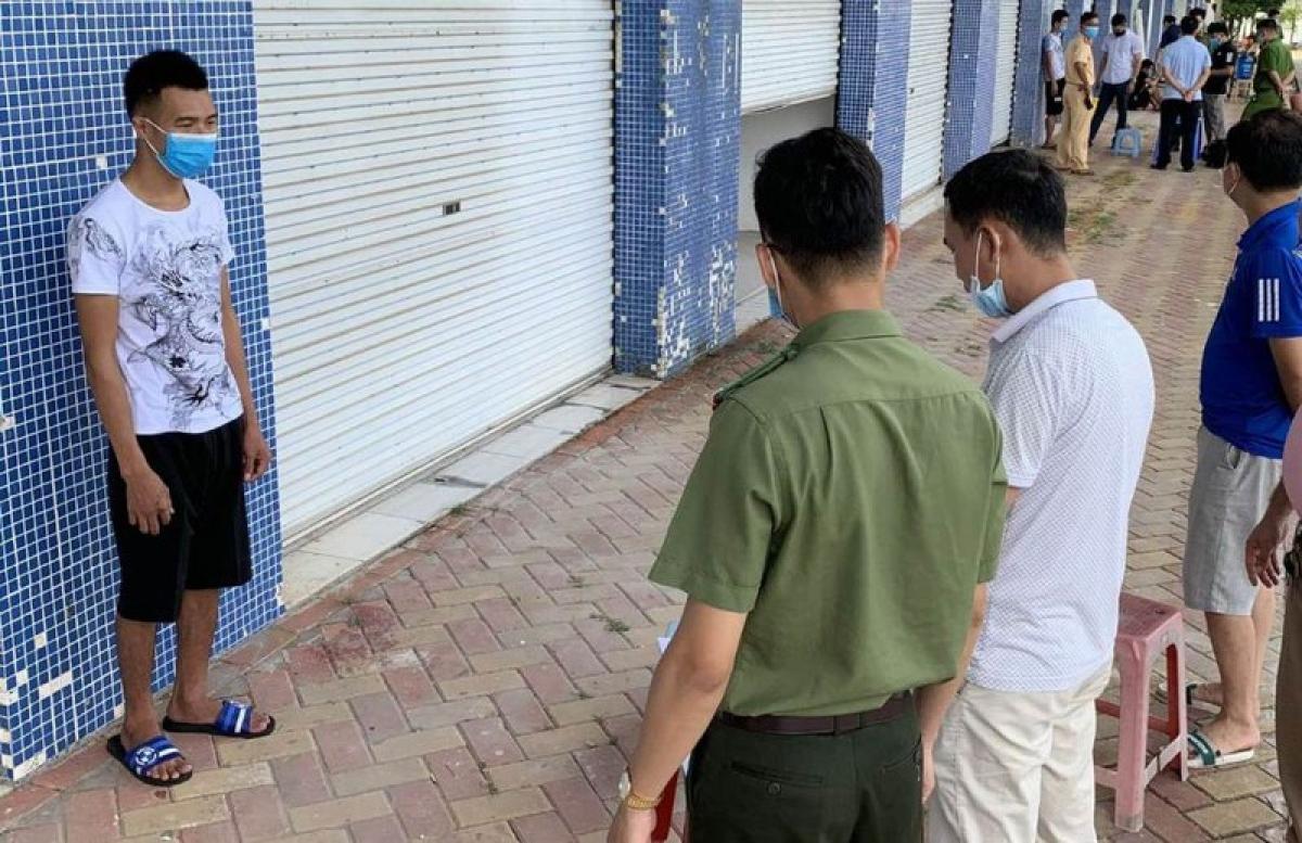 Cơ quan An ninh điều tra, Công an tỉnh Quảng Ninh tống đạt lệnh bắt giam đối tượng của vụ án