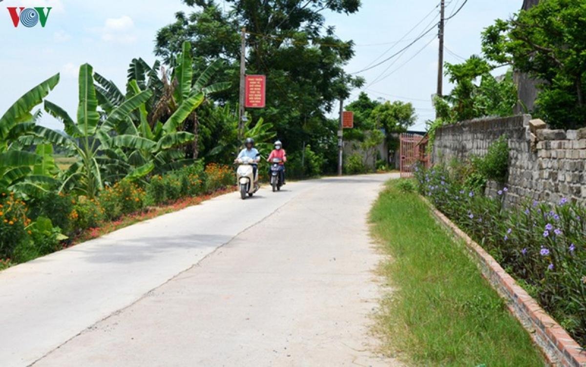 Xã Việt Dân (Đông Triều, Quảng Ninh) là xã đầu tiên trong cả nước đạt chuẩn nông thôn mới kiểu mẫu.