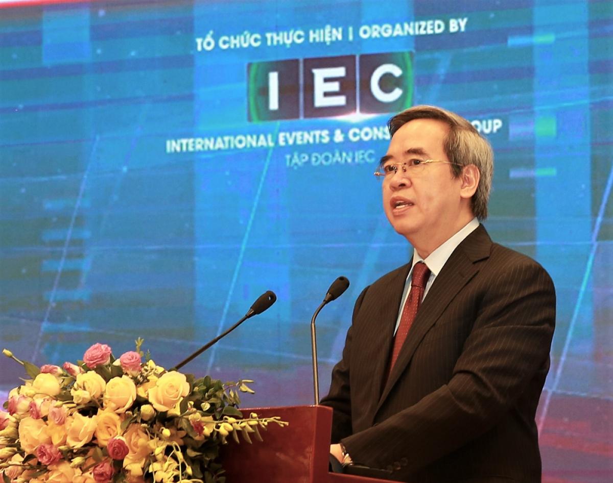 Ông Nguyễn Văn Bình phát biểu khai mạc Diễn đàn.