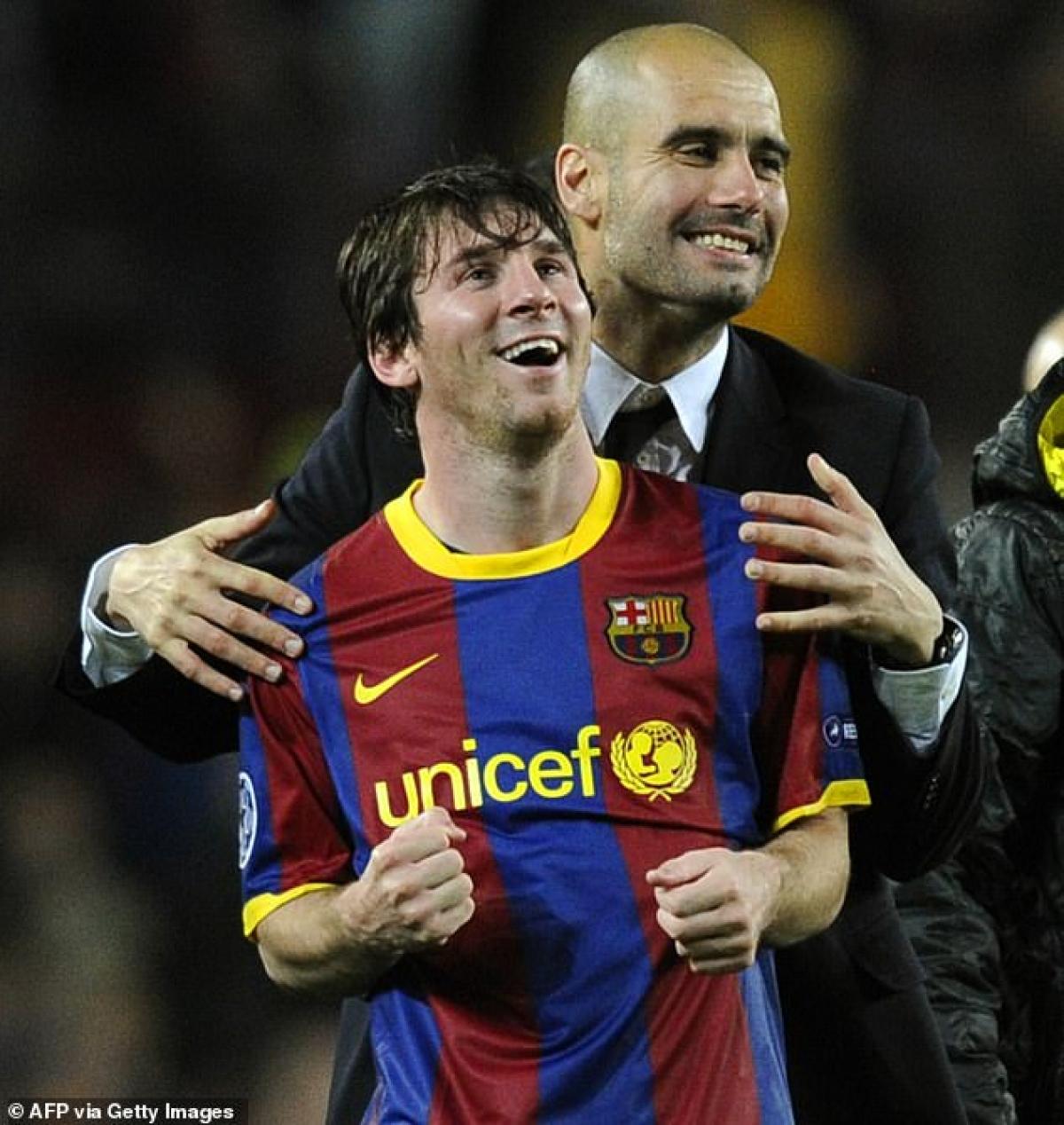 Man City với sự dẫn dắt của thầy cũ Messi là Guardiola đang dẫn đầu danh sách bến đỗ tiềm năng nhất cho M10 sau khi chia tay Barca. (Ảnh: Getty).