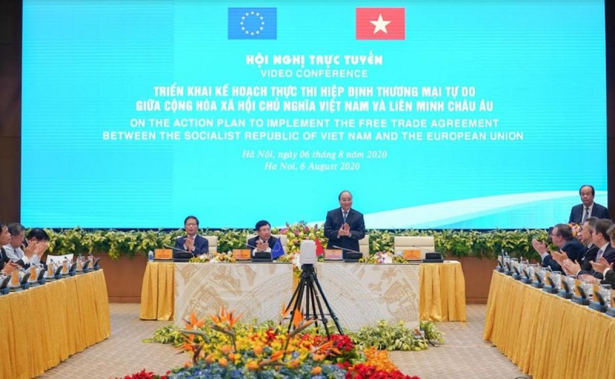Thủ tướng Nguyễn Xuân Phúc chủ trì Hội nghị trực tuyến về triển khai kế hoạch thực thi Hiệp định Thương mại tự do Việt Nam-EU.