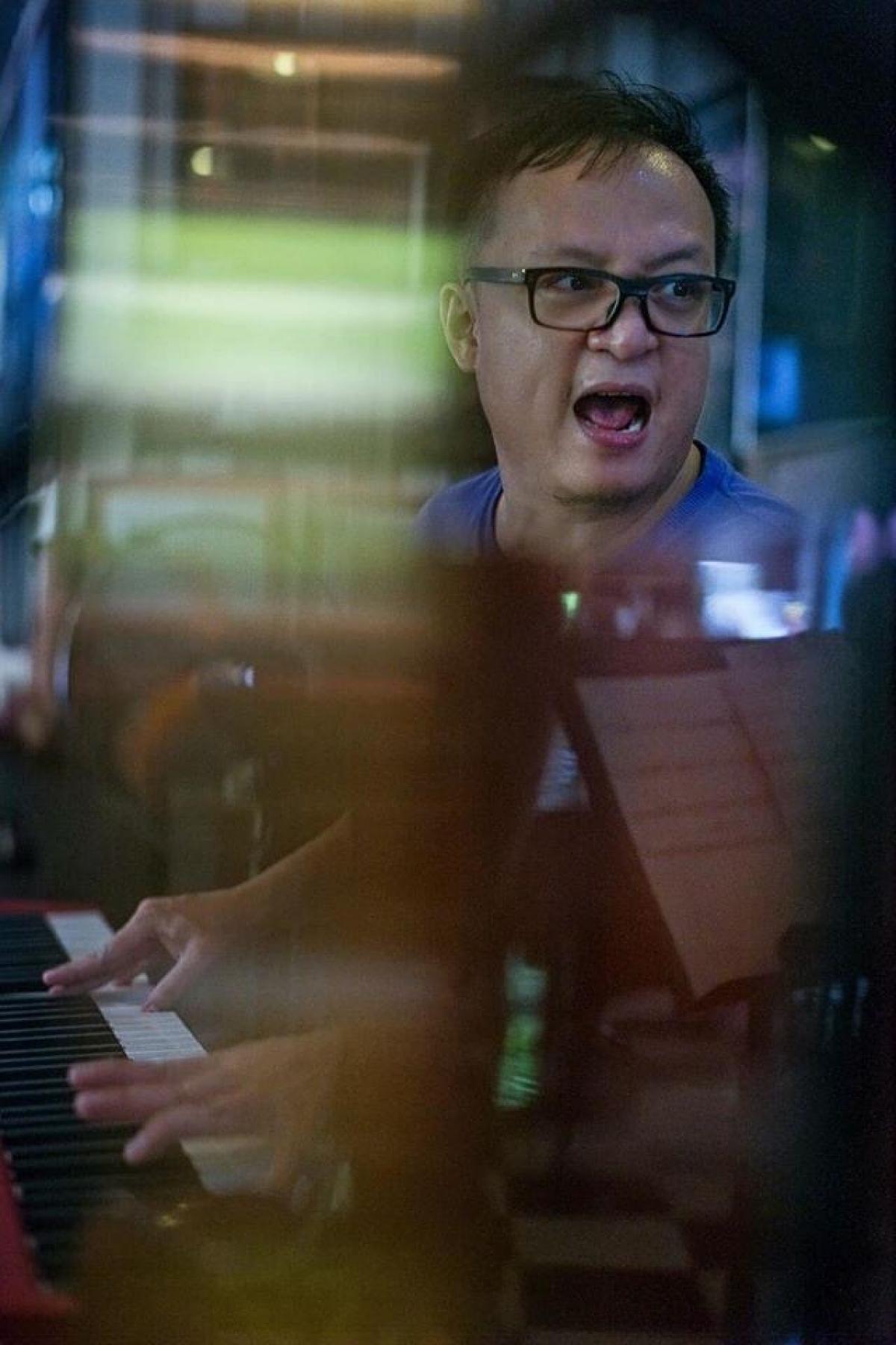 Pianist Tuấn Nam.