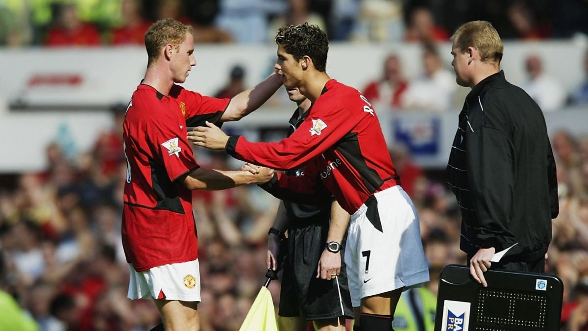 Thời điểm ra mắt ở MU của Ronaldo 17 năm về trước. (Ảnh: Getty).
