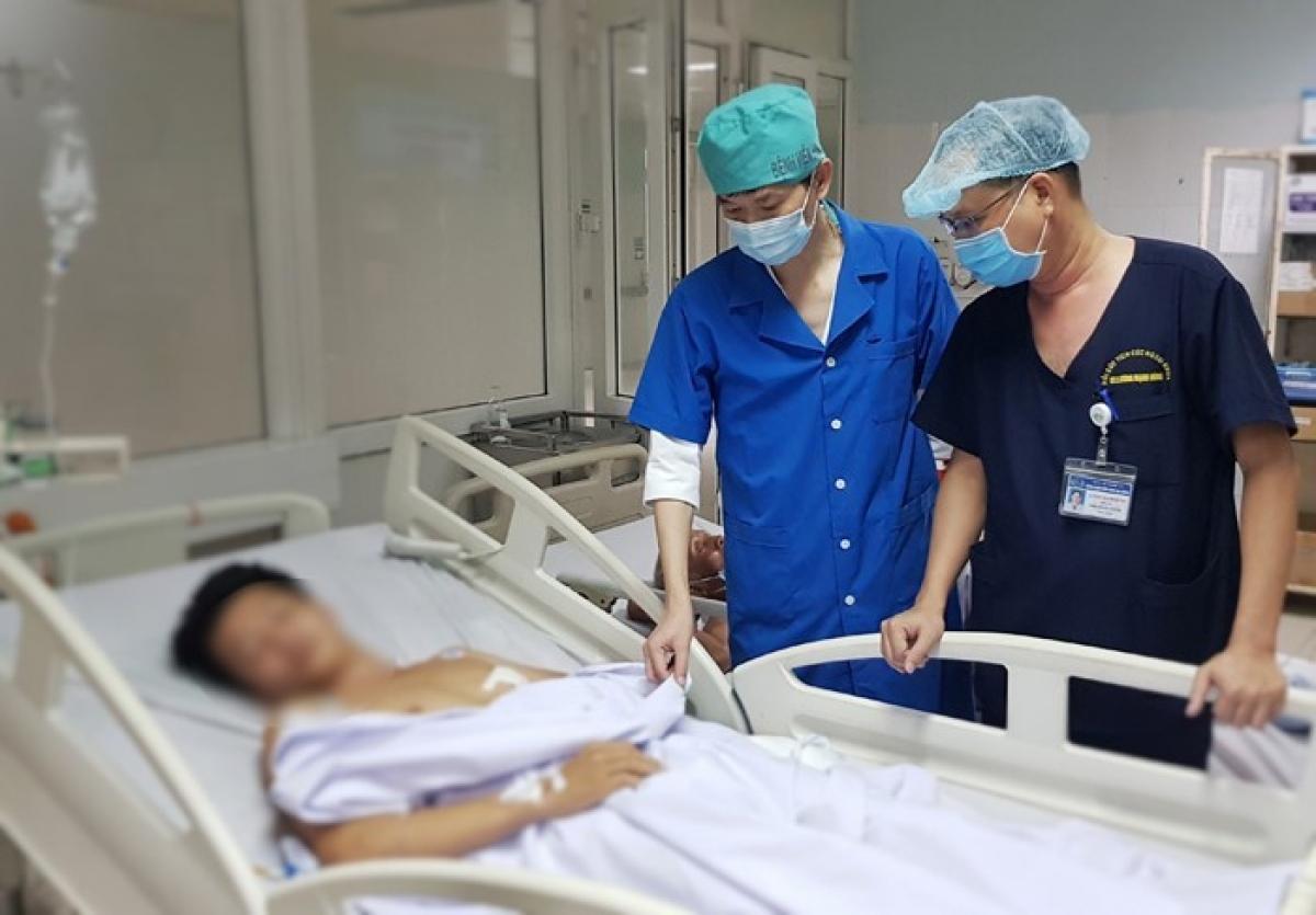 Sau ca phẫu thuật, hiện bệnh nhân đã tự thở được.