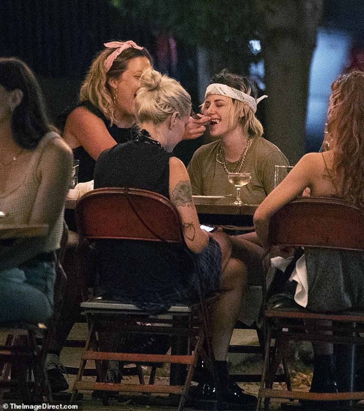 Kristen Stewart trải qua nhiều mối tình đồng giới trong những năm qua./.