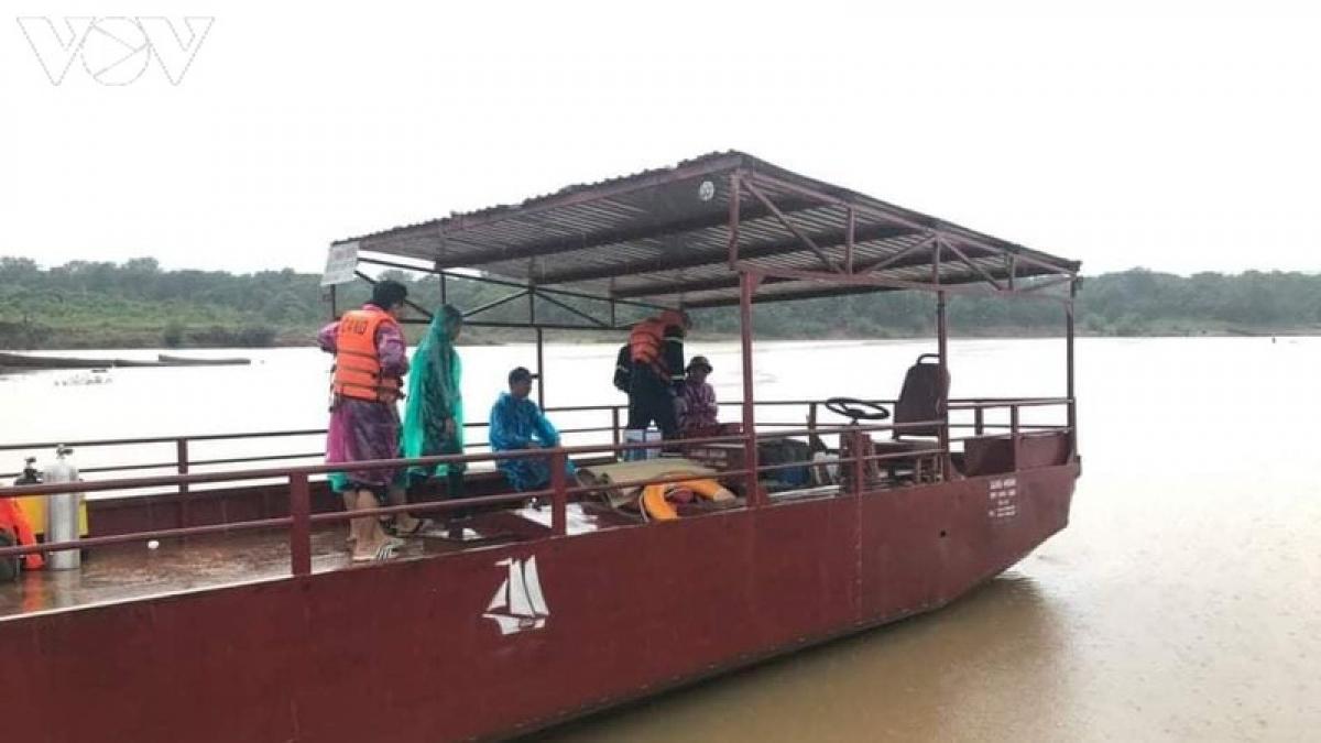 Lực lượng cứu hộ, cứu nạn Công an tỉnh Gia Lai vẫn đang tìm kiếm nạn nhân.