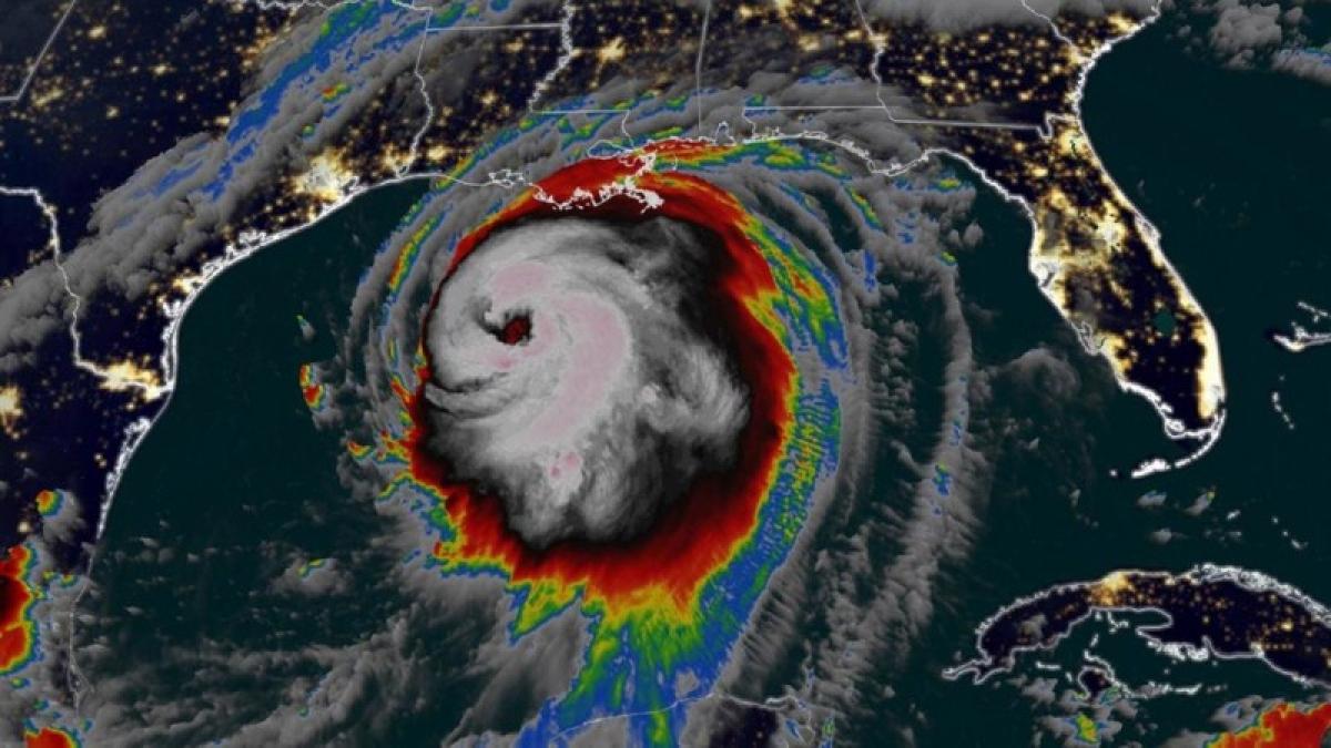 Hình ảnh vệ tinh bão Laura. Ảnh: AP