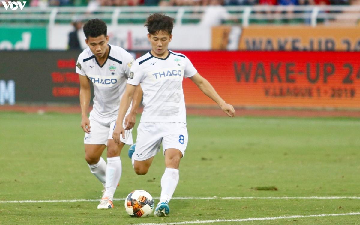 """Minh Vương lần đầu lập """"hat-trick"""" ở V-League ngày này 4 năm trước."""