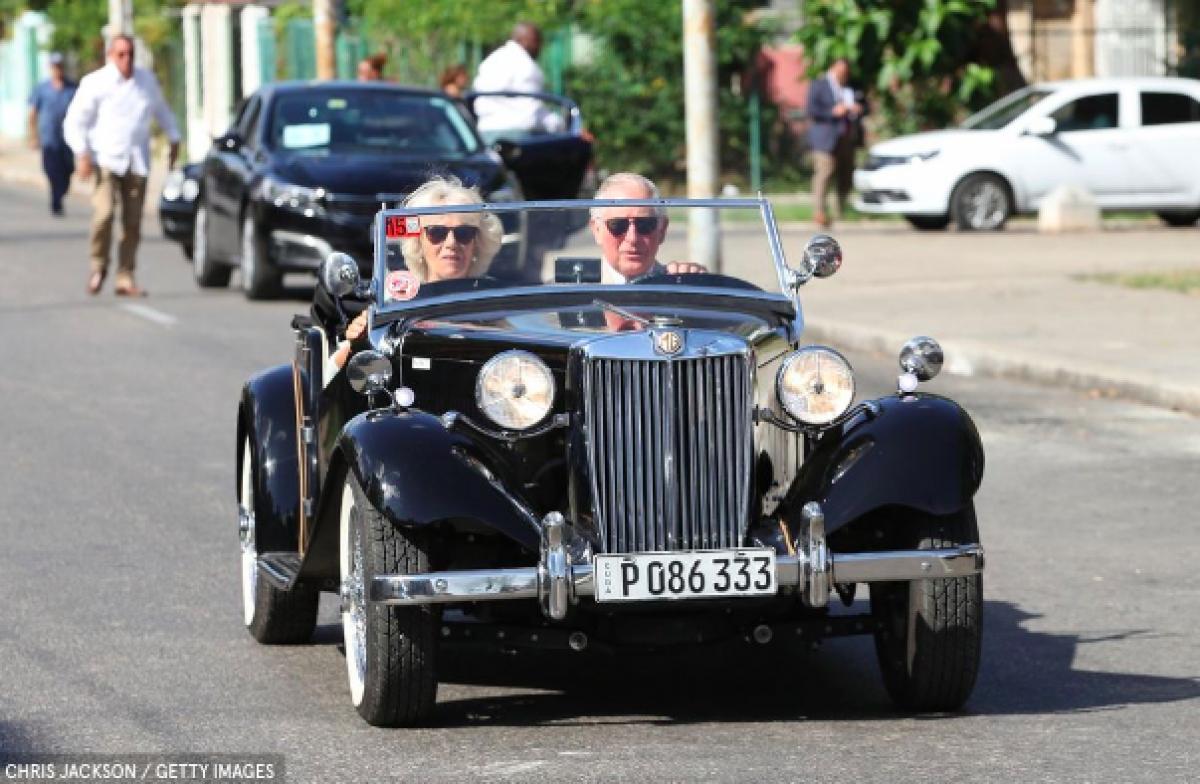 ái tử Charles và Công nương Camilla trong chuyến thăm chính thức đầu tiên của Hoàng gia Anh đến đất nước Cuba.
