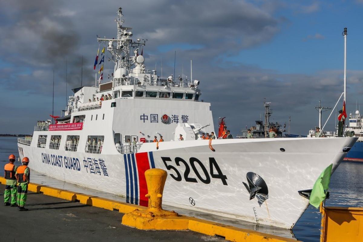 Tàu hải cảnh Trung Quốc nhiều lần thực hiện chiến lược bắt nạt ở Biển Đông. Ảnh minh họa: SCMP.