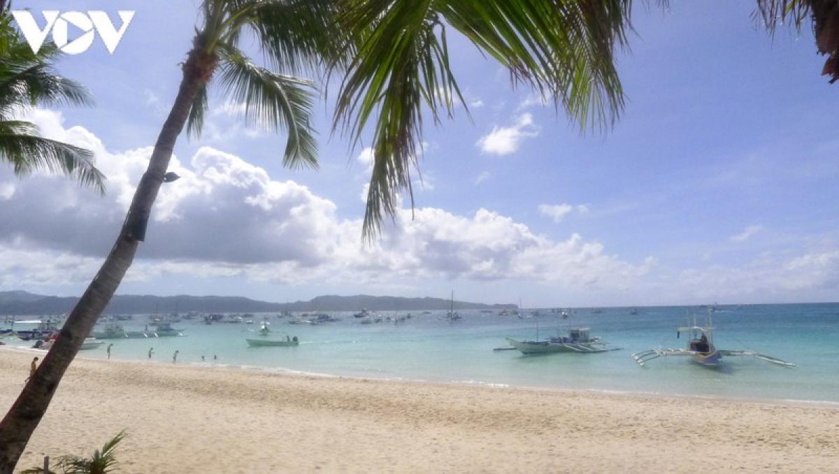 Những bãi biển đẹp của Boracay là những lý do chính khiến hòn đảo nhỏ bé ở vùng Visayas phía tây Philippines này trở thành một trong những điểm đến nổi tiếng.