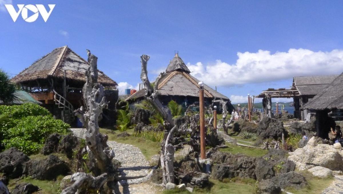 Khám phá đảo nhỏ Crystal Cove và trải nghiệm các hoạt động du lịch sẽ cho bạn những cảm giác thư giãn nhất.