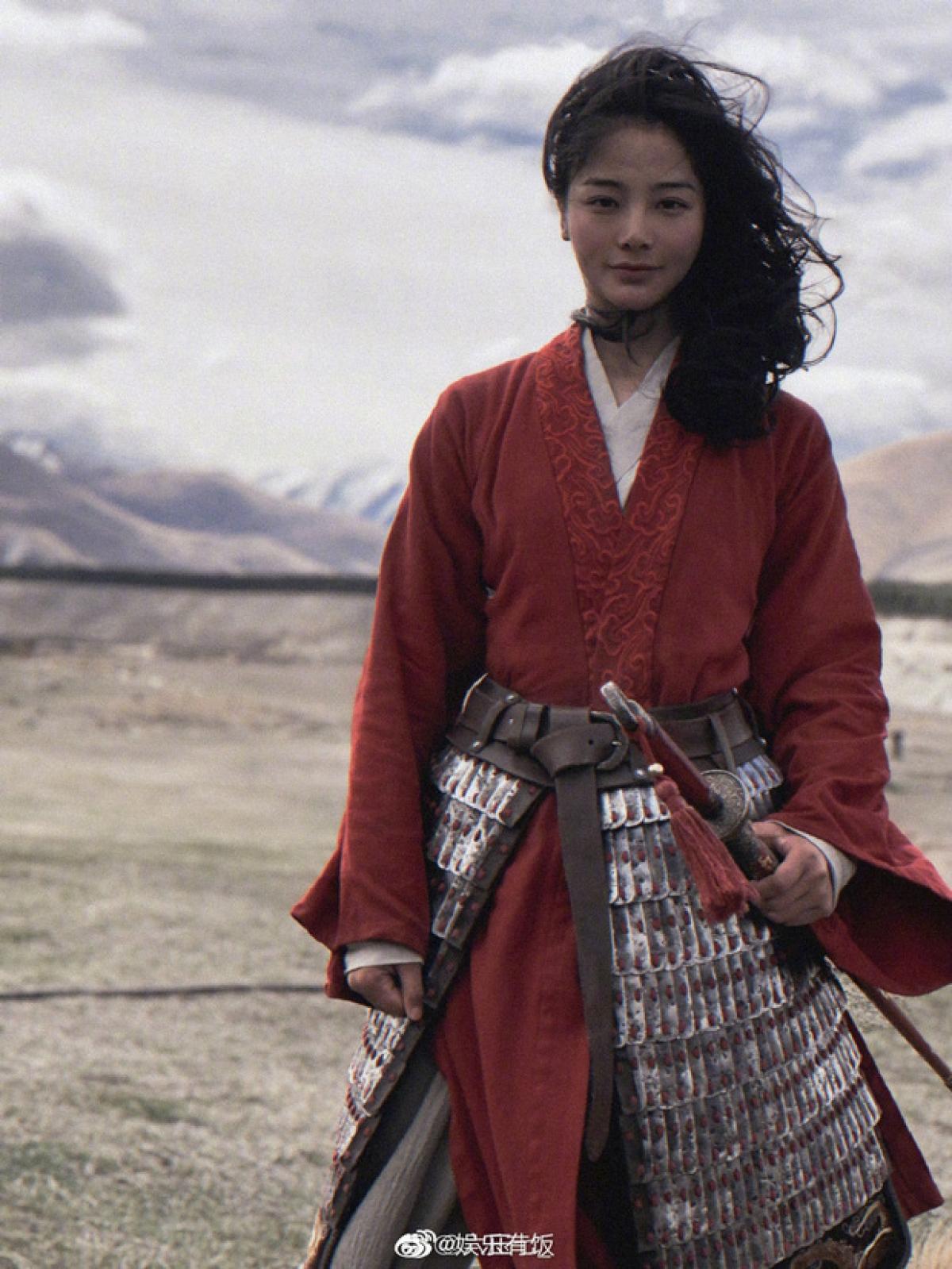 Nhờ vậy, Lưu Á Tây đã vượt qua nhiều ứng viên để đảm nhận tốt vai trò đóng thế cho Lưu Diệc Phi.