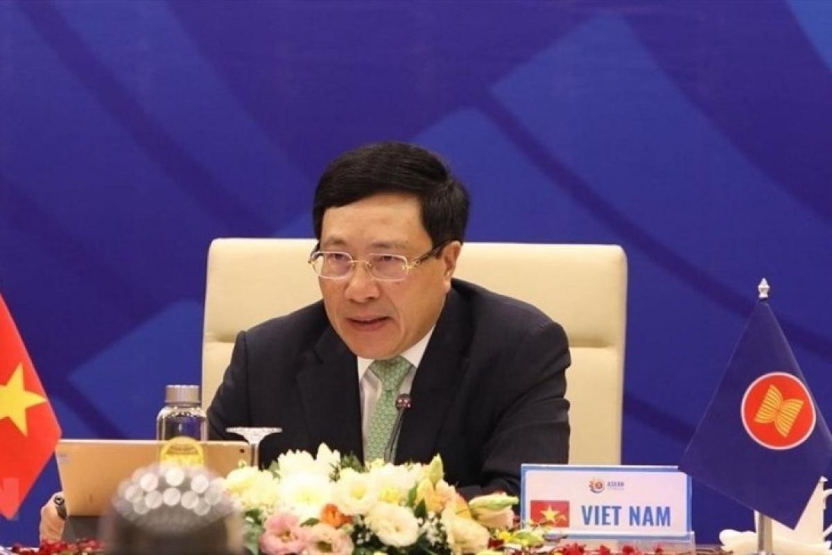 Phó Thủ tướng, Bộ trưởng Bộ Ngoại giao Phạm Bình Minh chủ trì Hội nghị Bộ trưởng Ngoại giao ASEAN lần thứ 53 và các hội nghị liên quan. Ảnh: TTXVN.