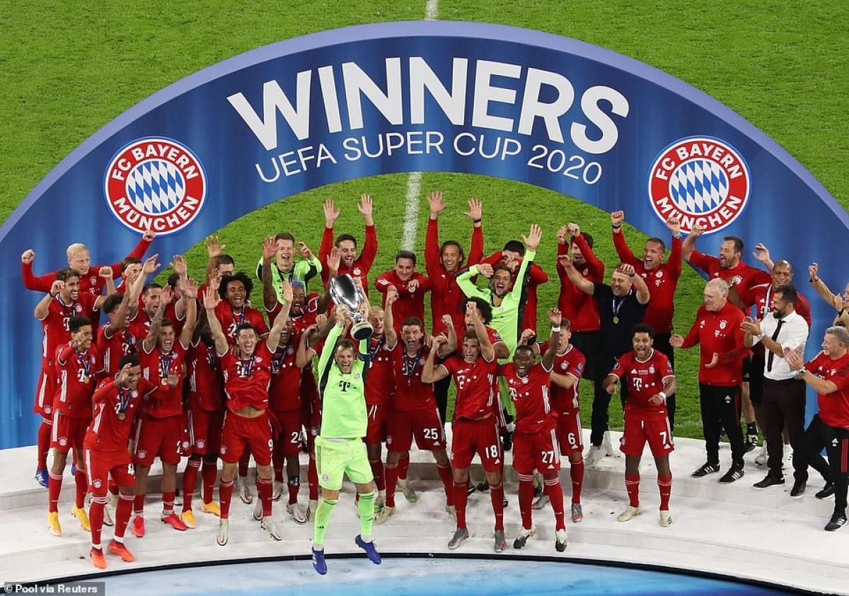 Lội ngược dòng thắng Sevilla 2-1, Bayern giành Siêu Cúp châu Âu.