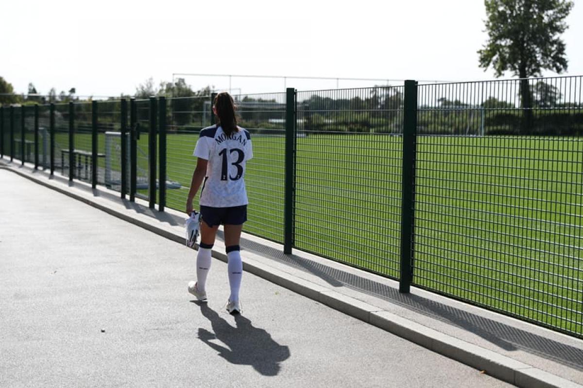 Alex Morgan từng giúp Lyon đăng quang tại Champions League nữ, giúp ĐT Mỹ giành HCV Olympic môn bóng đá nữ và 2 lần vô địch World Cup nữ.