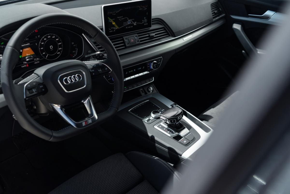 Chưa có thông tin gì về hiệu suất của chiếc SUV được điều chỉnh nhưng động cơ Q5 TSFI e nguyên bản sản sinh công suất 362 mã lực và mô men xoắn 500 Nm, giúp xe có khả năng tăng tốc từ 0-100 km/h trong 5,3 giây và đạt vận tốc tối đa 239 km/h.