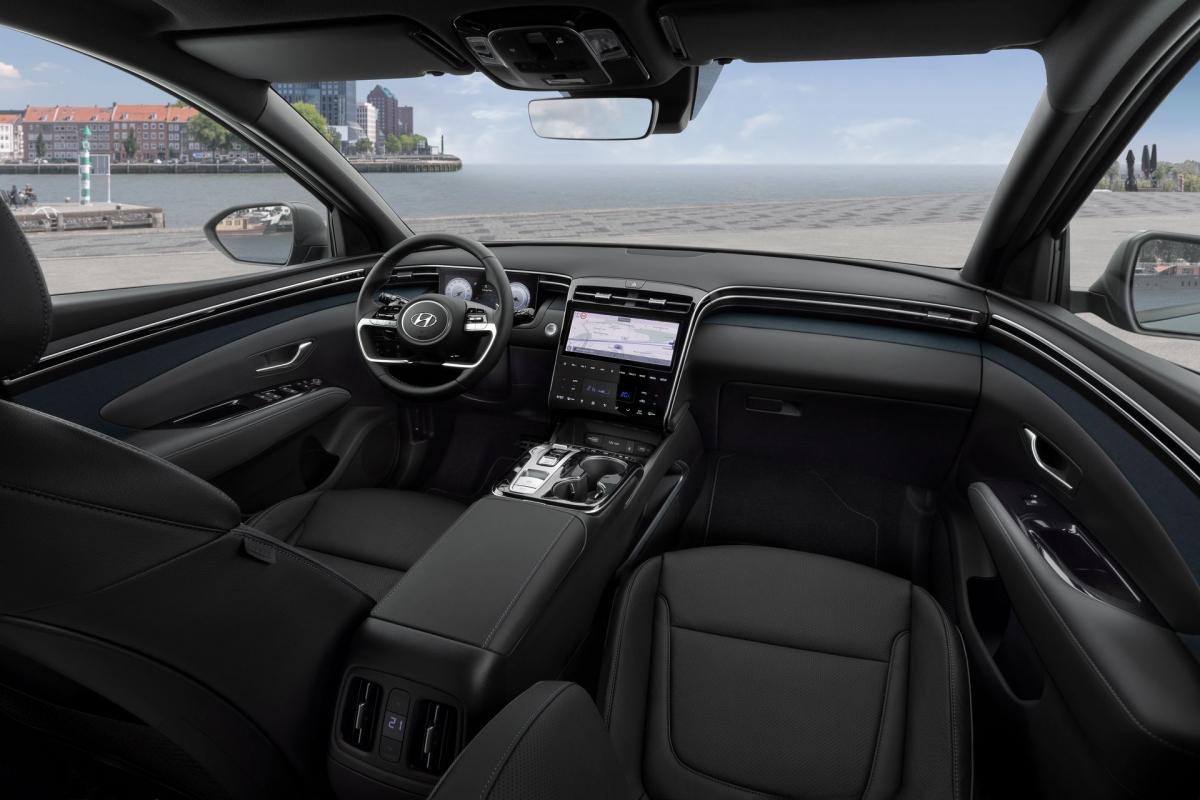 Không gian nội thất xe mang tới cảm giác hiện đại, sang trọng.