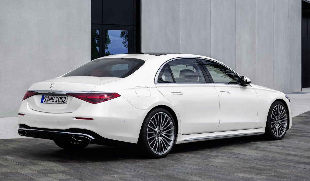 2021-mercedes-s-class-vs-german-rivals-gallery-2.jpg